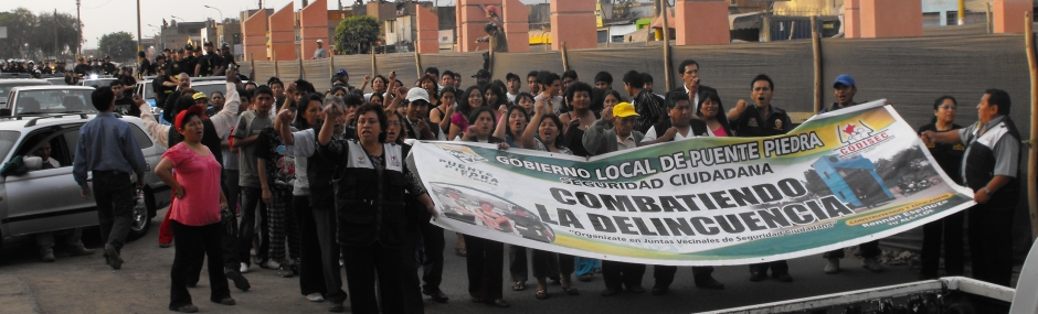 Vecinos y Serenazgo protestan por la actitud de la DIRINCRI en contra de la comunidad de Puente Piedra