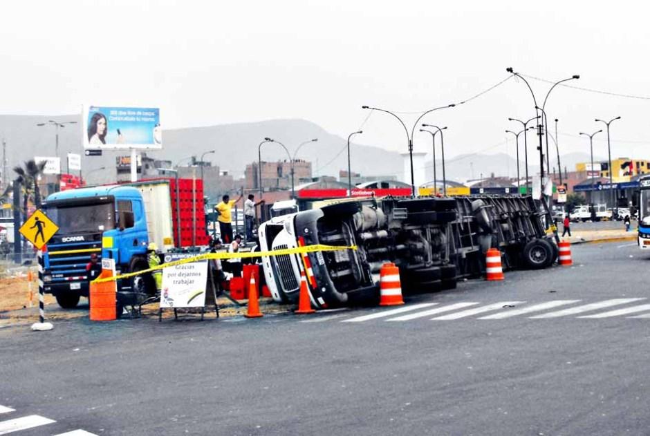 Accidente Camion en Plaza Norte
